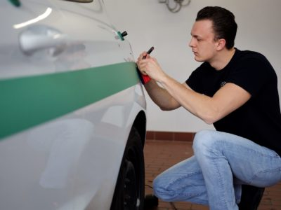 Fahrzeugbeschriftung Wiesbaden Folierung in Progress