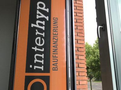 Schaufensterbeschriftung interhyp Fahrzeugbeschriftung-Wiesbaden