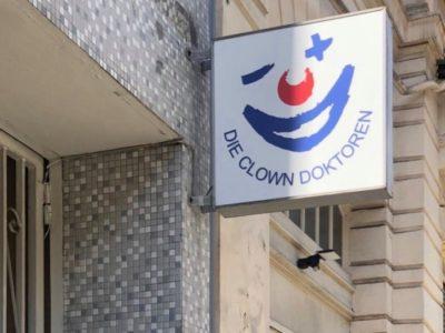 Die Clown Doktoern Schiler Beklebung Fahrzeugbeschriftung-Wiesbaden